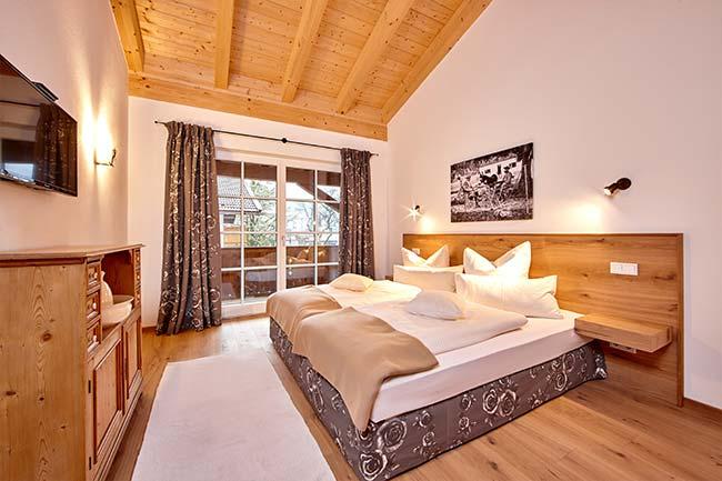 schlafzimmer-eckbauer